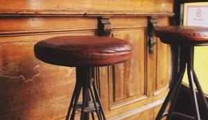 stools-698681_640